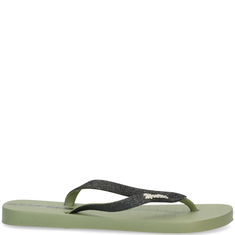 Groene lolita damesslipper van het merk ipanema. deze slipper is flexibel en geheel van synthetisch materiaal....